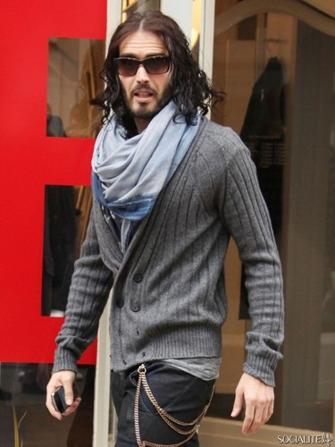 Russell Brand Shops In London Sans Wedding Ring