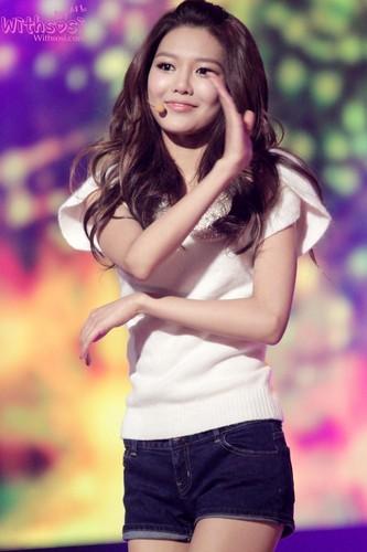 SNSD at KBS Gayo Daejun Song Festival 2011 Part 1
