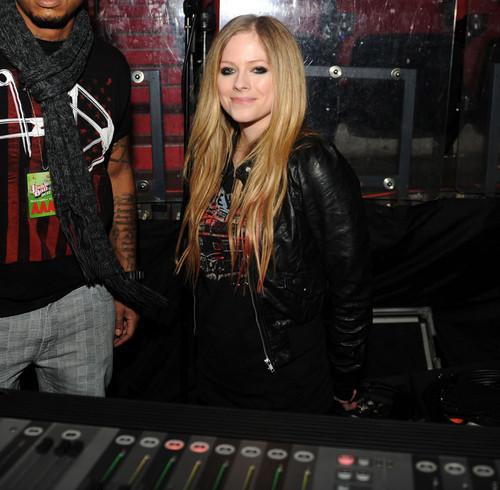 Y100 Jingle Ball, BankAtlantic Center, Miami (Backstage) (10 Dec 2011)