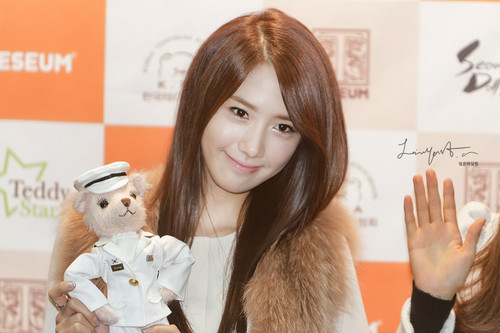 Yoona @ Seoul Doll Fair