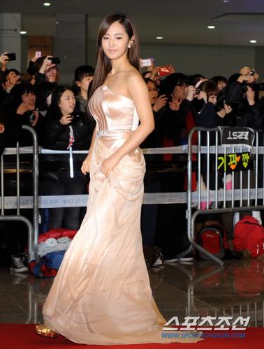 Yuri @ SBS Gayo Daejun Red Carpet