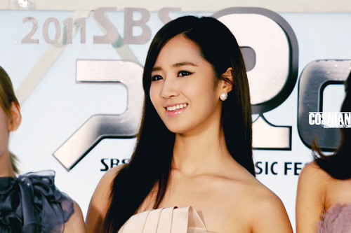 Yuri @ SBS Gayo Daejun Red Carpet