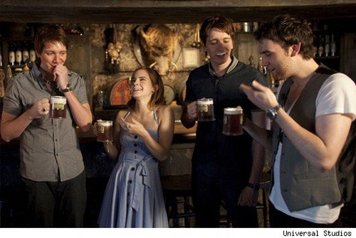 cast drinking butterbeer