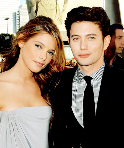 Jackson Rathbone & Ashley Greene 바탕화면 probably containing a business suit, a well dressed person, and a portrait called jackson and ashley
