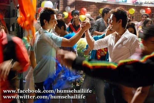 HUMSE HAI LIFE wallpaper called raghav n juno