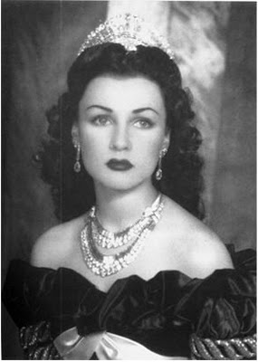 shah's first wife Fawzia Shirin