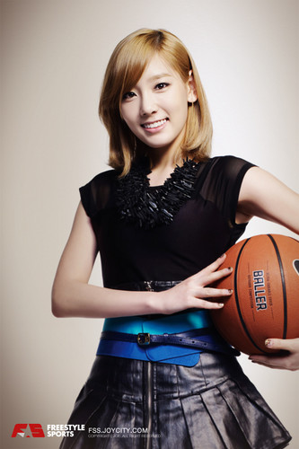 taeyeon SNSD - FreeStyle Sports پیپر وال