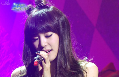 S♥NEISM 壁纸 called tiffany SNSD 圣诞节 Fairy Tale Captures