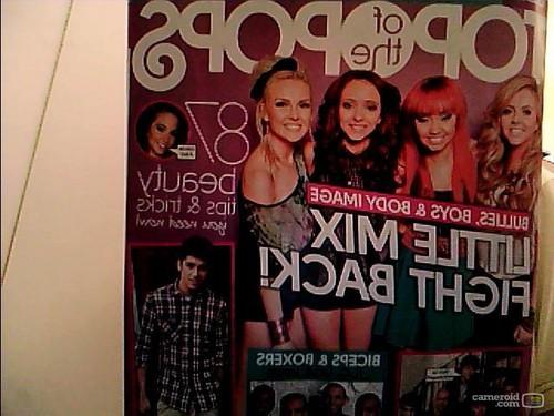 haut, retour au début of the pops magazine♥