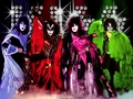  Kiss   - musicians-in-makeup wallpaper