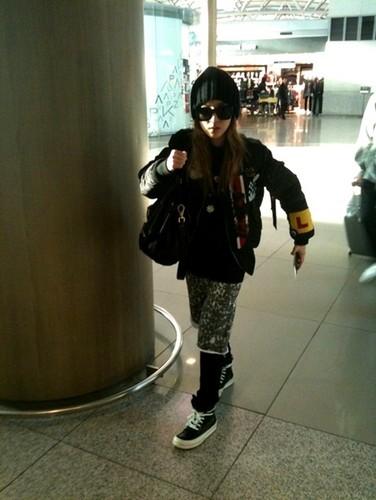 2NE1 Airport Style