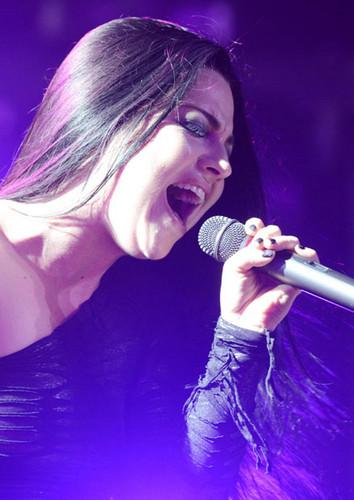 Amy Live