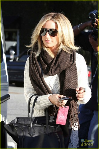 Ashley Tisdale: Salon Smiles