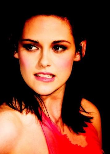 ক্রিস্টেন স্টুয়ার্ট দেওয়ালপত্র probably containing a portrait called Beautiful Kristen Stewart <3