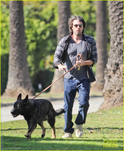 Ben Affleck: Morning Dog Jog!