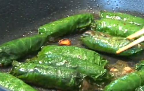 Bo cuon la lot - Fried Beef wrapped in betel leaves