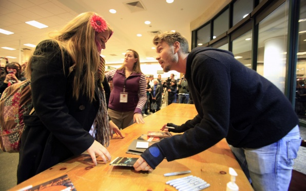 Chad Everlast Signing (Buffalo 28/12/11) - chad-michael-murray photo