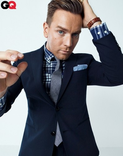 Ewan McGregor fondo de pantalla with a business suit, a suit, and a well dressed person entitled Cool Ewan !