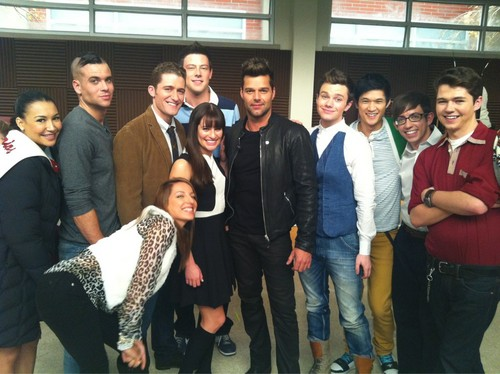 Damian and the cast of glee with Ricky Martin