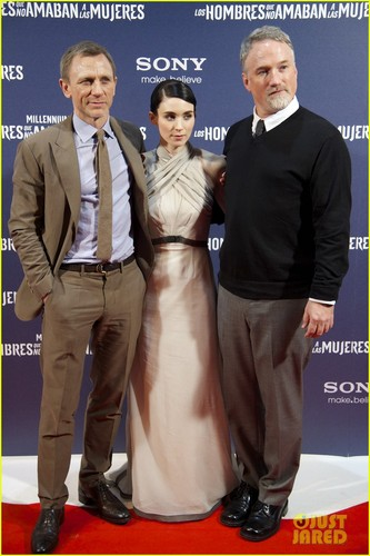 Daniel Craig: Madrid 'Dragon Tattoo' Premiere with Rachel Weisz!