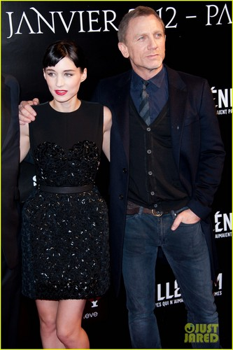 Daniel Craig: Paris Premiere of 'Dragon Tattoo'