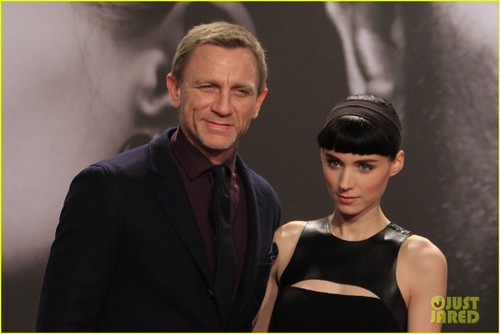 Daniel Craig & Rooney Mara Premiere 'Dragon Tattoo' in Berlin