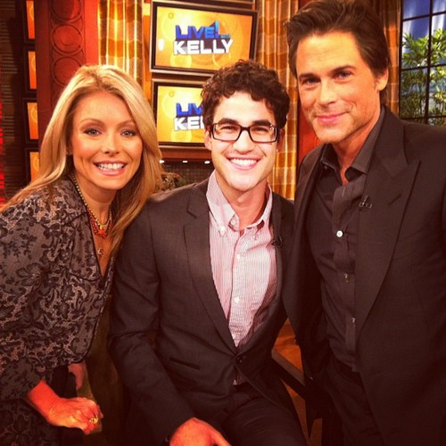Darren Live With Kelly (05/01/12)