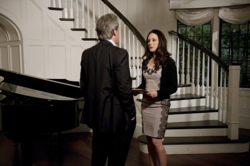 Revenge wallpaper containing a pianist, a grand piano, and a business suit called Episode 1.13 - Commitment - Promotional Photos