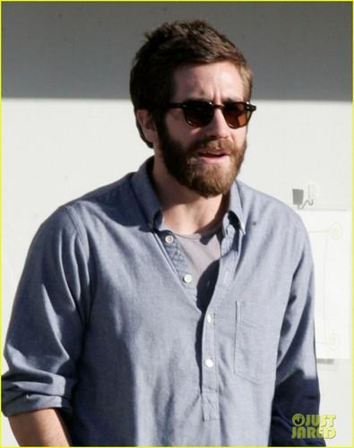 Jake Gyllenhaal Celebrates Birthday With Spinning & Steaks