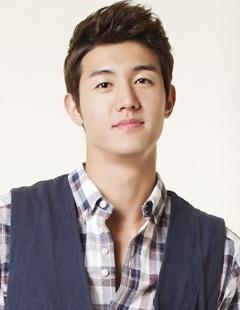 Lee Ki Woo (Flower Boy Ramyun Shop)