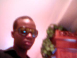 You know im rockin these shades  - louis-louis_koolkid16 Photo