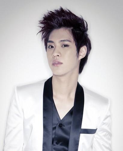 MBLAQ leader Seung Ho