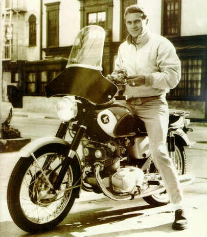 Steve McQueen wallpaper possibly containing a motorcycle cop, a motorcyclist, and a motorcycle called McQueen