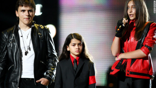 Michael Jackson kids to make his footprints 'immortal'
