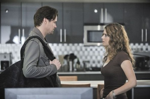 Michael and Alex - Nikita Still 2x12