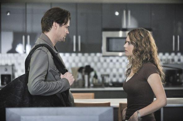 Michael and Alex - Nikita Still 2x12