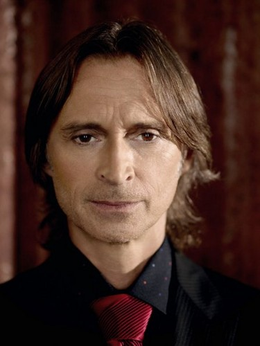 New Cast Promotional foto's - Robert Carlyle
