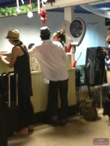 Nian - Bora Bora Airport - 01.01.2012