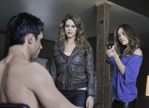 "Nikita 2x12 ""Sanctuary"" Promotional 写真"