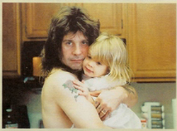 Ozzy With His 赤ちゃん