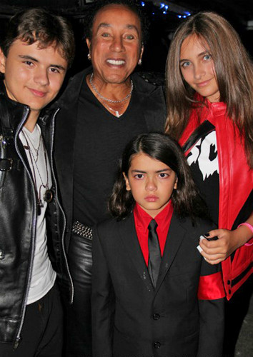 Prince, Paris, Blanket