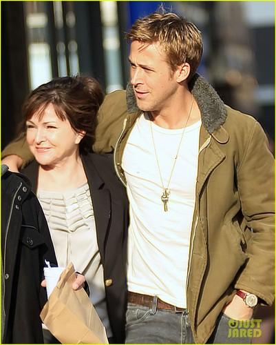 Ryan anak helang, gosling & Eva Mendes: hari Out in New York!