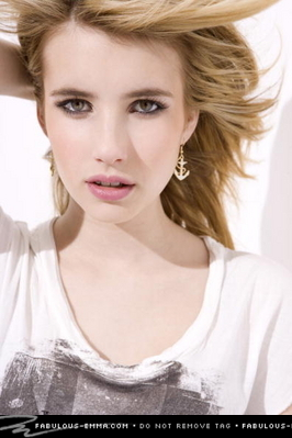 Emma Roberts Hintergrund containing a portrait called Sarah Dunn Photoshoot