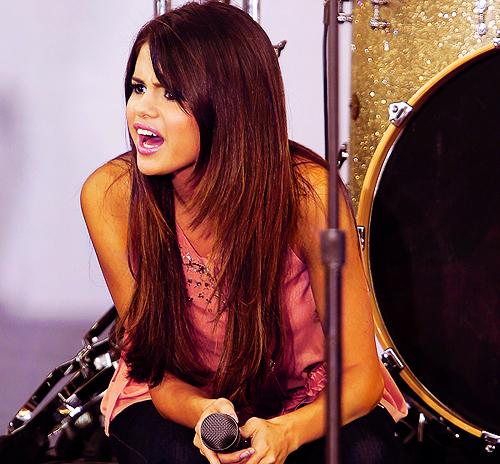 Selena Gomez Pics!