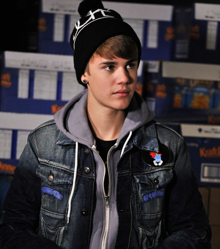 Smilling With Justin Bieber =)