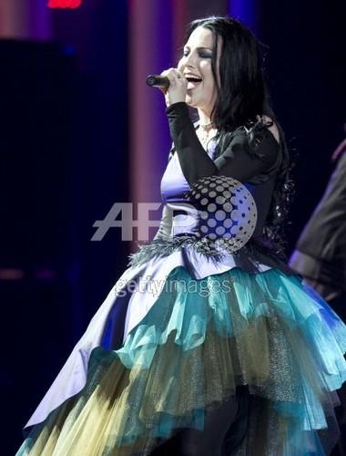 Evanescence nopel price2011