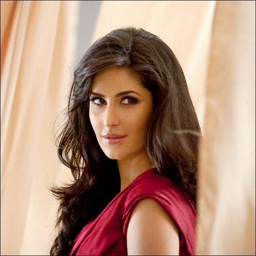 Katrina Kaif fond d'écran containing a portrait called katrina!
