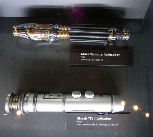 lightsaber प्रॉप्स