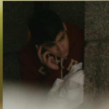 ma babes on the phone : imagine U wer the person that he's talking to ! x ;)