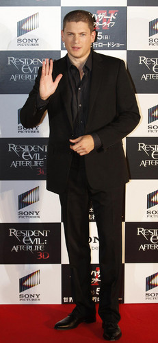 Wentworth Miller Hintergrund with a business suit, a suit, and a well dressed person titled resident evil